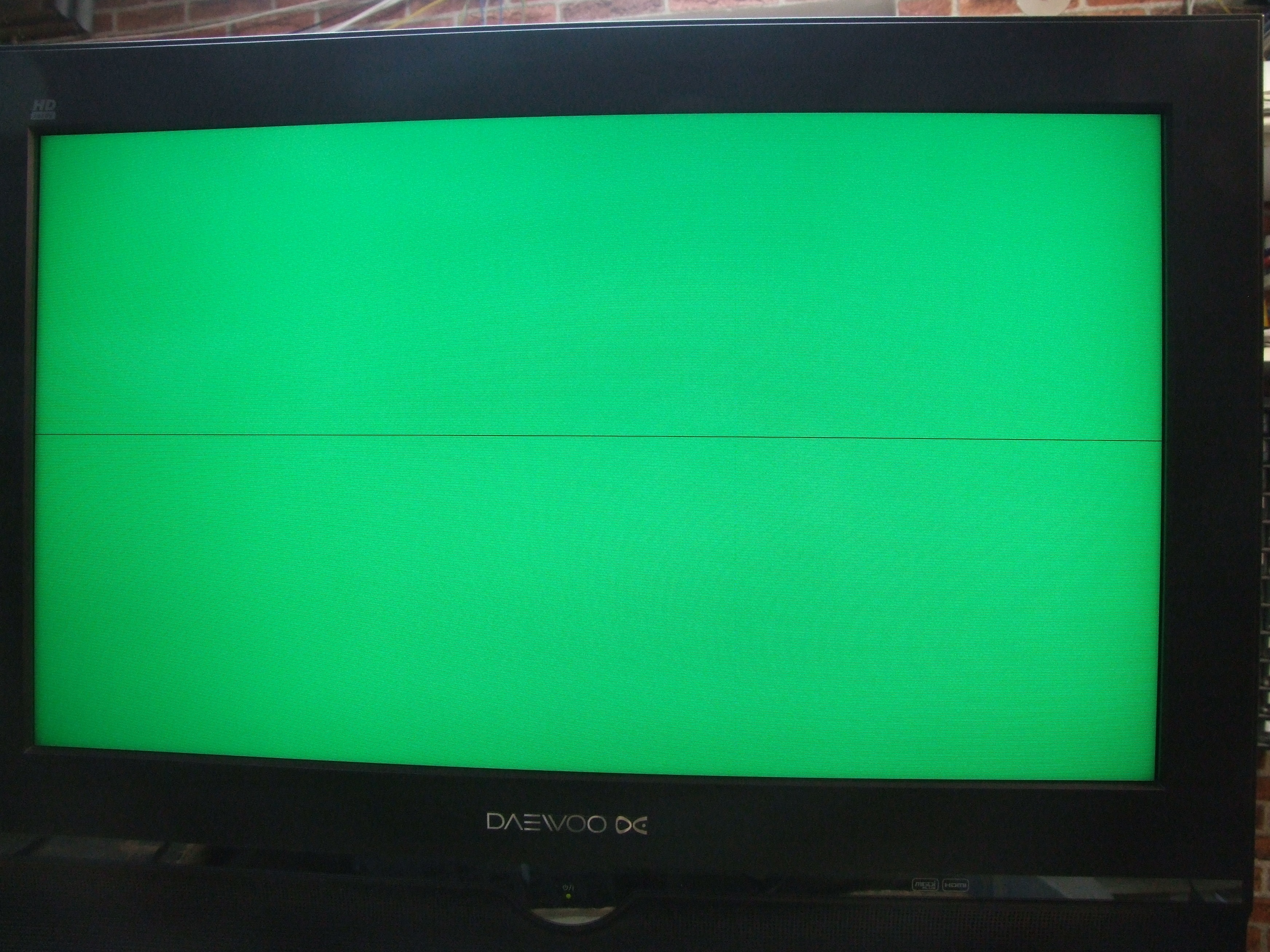 TV LCD Daewoo DLP-26C3 chassis SL-500P. pozioma linia