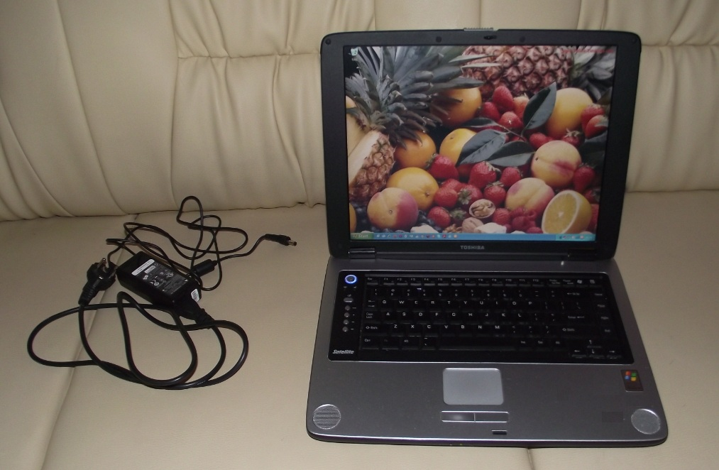 Toshiba M35X-S111 Windows XP , Matryca zero rysek ! ! !